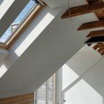 Innenansicht Dachflächenfenster und offenes Dach im 1. OG